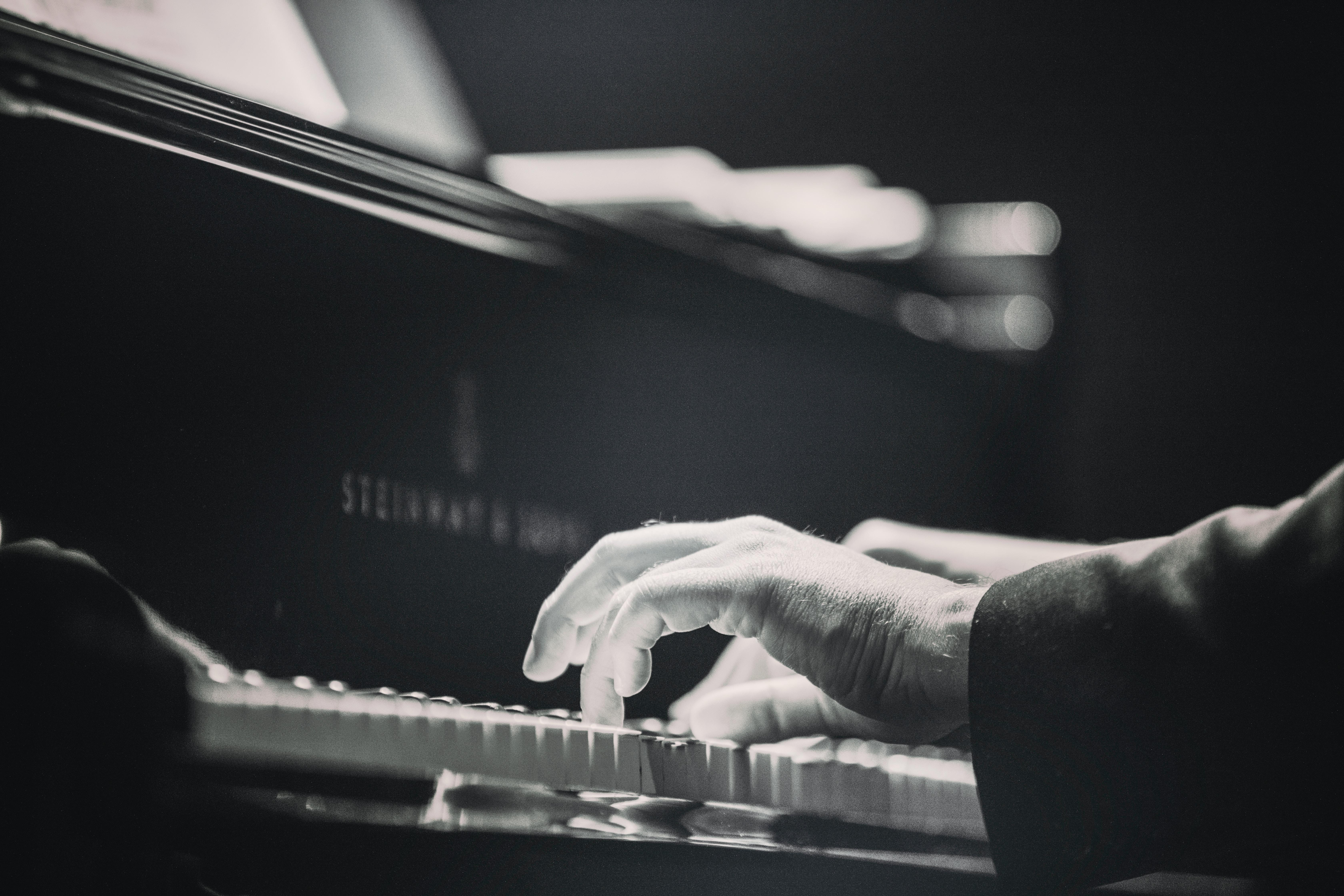 online piano image