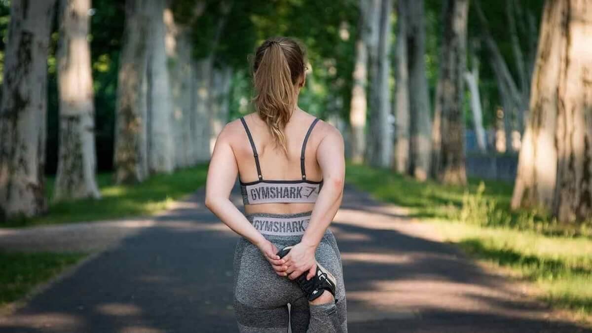 woman getting ready to go for a run, custom keto diet