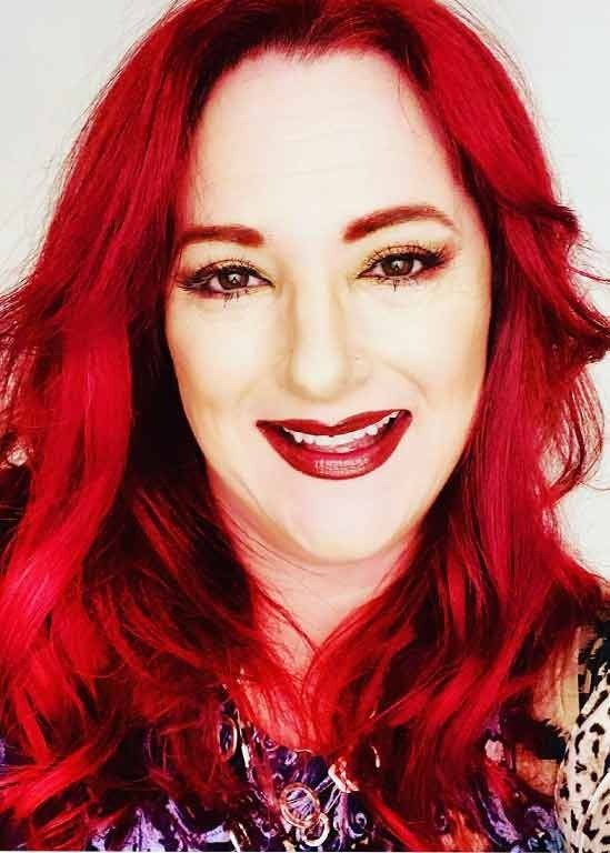 Ann Marie Walts - Makeovers & Marketing